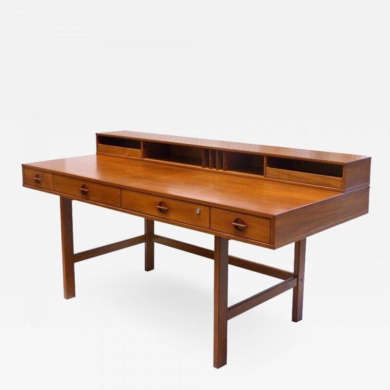 Jens-Quistgaard-Danish-Modern-Flip-Top-Teak-Desk-by-Jens-Quistgaard-for-Peter-L-vig-Nielsen-342982-1242154.thumb.jpg.75960b869b7f8c71666d0d0ffcdf2f1b.jpg